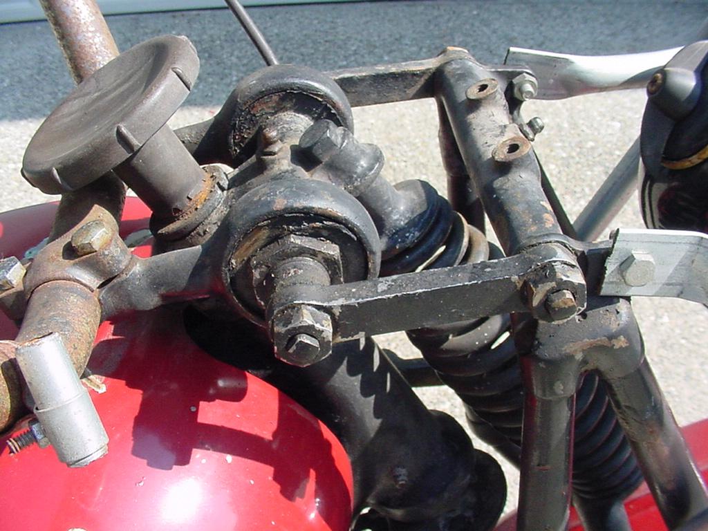 Wayne's Triumph Motorcycles: Terry Clark begins restoration