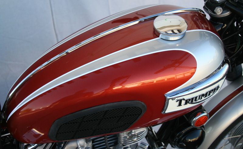 Wayne S Triumph Motorcycles Sold For 17 000 Gone To