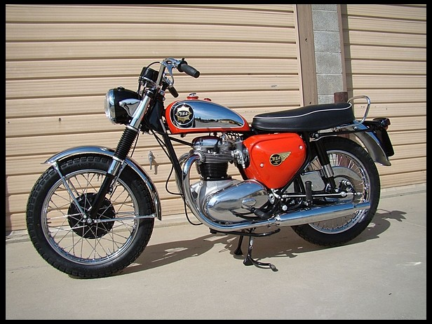 1964-BSA-A65-Lightning-Rocket-